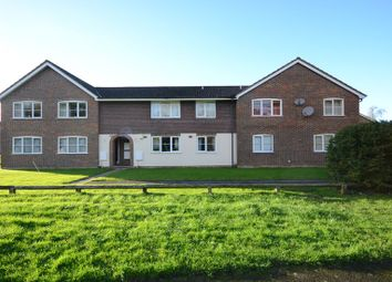 Thumbnail 1 bed flat to rent in High Beech, Bracknell