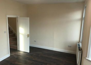 Thumbnail 3 bedroom flat to rent in Hatherley Gardens, London
