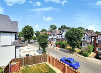Woodlands, London NW11. 3 bed flat