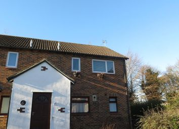 Thumbnail 1 bed flat to rent in 7 Heathfield, Basingstoke, Hampshire