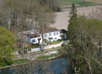 Thumbnail 4 bed property for sale in Poitou-Charentes, Charente, Saint Brice