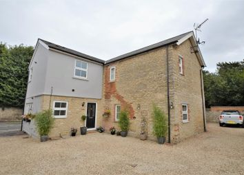Thumbnail 2 bed maisonette for sale in Flat 1, Parkside, Launton Road, Bicester