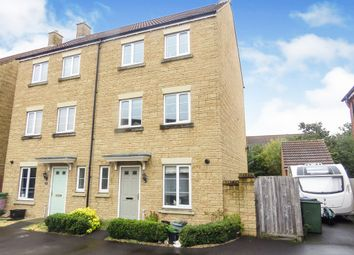 3 bed town house for sale in Nuthatch Road, Calne SN11