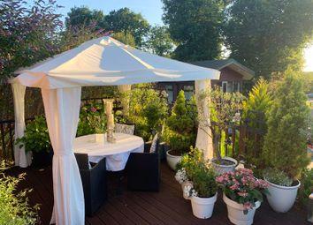 Hurtwood Lane, Farley Green, Albury, Guildford GU5. 2 bed lodge for sale