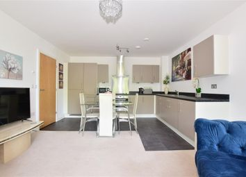 Sovereign Way, Tonbridge, Kent TN9. 2 bed flat