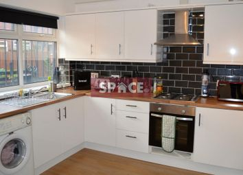 Thumbnail 2 bed flat to rent in Park View Avenue, Leeds