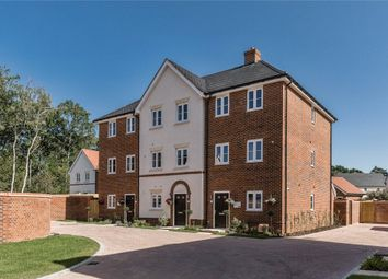 4 bed end terrace house for sale in Oakham Park, Old Wokingham Road, Crowthorne RG40