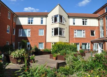 1 bed flat for sale in Northampton Avenue, Slough SL1