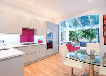 Thumbnail 2 bedroom flat to rent in Milton Park, Highgate N6,