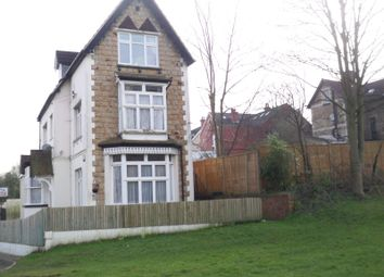 Thumbnail 1 bed flat to rent in Woodlands Avenue, Redhill