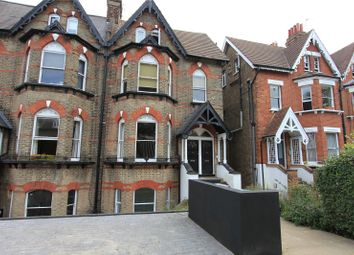 Tetherdown, London N10. 3 bed flat