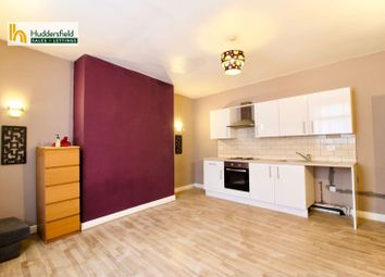2 bed terraced house to rent in Lowergate, Paddock, Huddersfield HD3