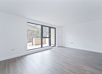 3 bed maisonette to rent in Goldsmiths Row, Bethnal Green, London E2
