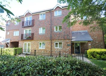 Thumbnail 2 bed flat for sale in Pondtail Close, Horsham