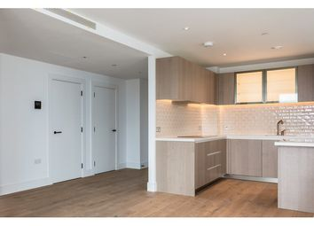 2 bed flat to rent in Prince Of Wales Drive, Battersea And Clapham, London SW11