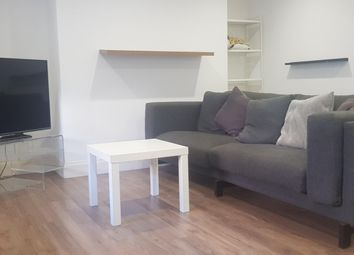 Thumbnail 2 bed flat to rent in Chatham Place, Brighton