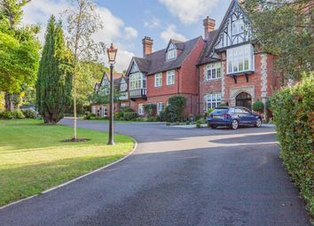 Westerham Road, Keston BR2. 3 bed flat for sale