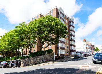 Thumbnail 2 bed flat to rent in Belle Vue Gardens, Brighton, East Sussex