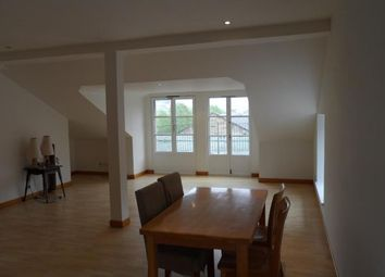 Thumbnail 2 bedroom flat to rent in Commercial Street, Edinburgh
