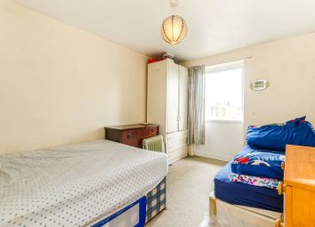 Thumbnail 2 bed flat to rent in Carnarvon Rd, Stratford