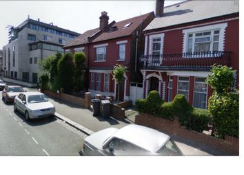 Thumbnail Studio to rent in Yew Grove, Cricklewood