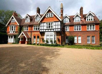 3 bed flat for sale in Reigate Hill, Reigate RH2