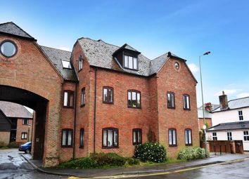 Thumbnail 1 bedroom flat to rent in Swan Court, Newbury