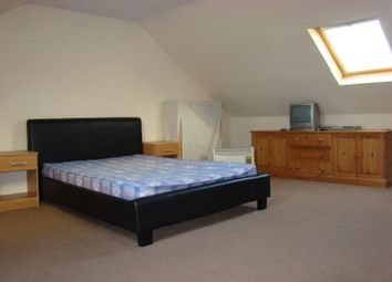 Thumbnail 1 bed flat to rent in Rockingham Road, Uxbridge, Middlesex