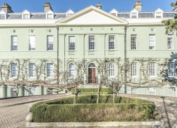 Thumbnail 2 bed flat for sale in Forbes Place, King George Gardens, Chichester