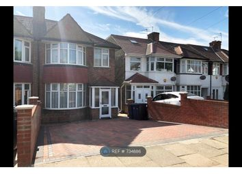 4 bed end terrace house to rent in Hampden Way, London N14