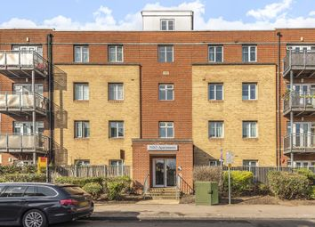 3 bed flat for sale in Slough, Berkshire SL1