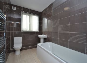 Thumbnail 3 bed flat to rent in Easterly Road, Oakwood, Leeds