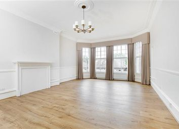 Thumbnail 4 bed flat to rent in Earls Court Road, Earls Court SW5.