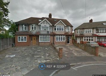 Thumbnail Room to rent in Wydell Close, Lower Morden