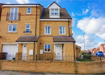 Thumbnail 3 bed town house for sale in Pasture Way, Castleford
