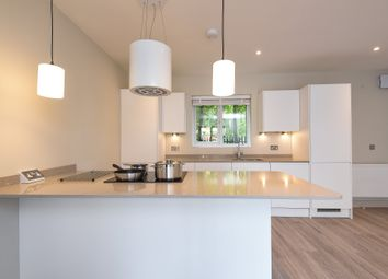 Thumbnail 2 bed flat to rent in Admiral Court, Dark Lane, Witney