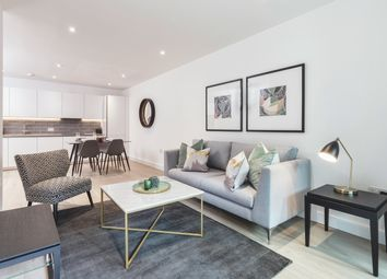 Thumbnail 2 bed flat for sale in Commercial Street, London