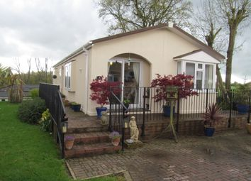 Thumbnail 2 bed mobile/park home for sale in Pilgrims Retreat (Ref 5888), Harrietsham, Maidstone, Kent