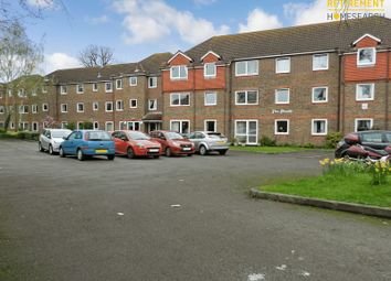 Thumbnail 1 bed flat for sale in The Meads, Windsor
