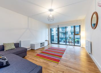 Thumbnail 3 bed flat for sale in Lakehouse, Green Lanes Walk