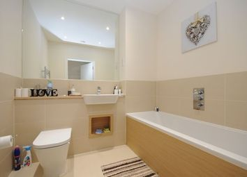 Thumbnail 1 bed flat to rent in Rodney Road, Mitcham