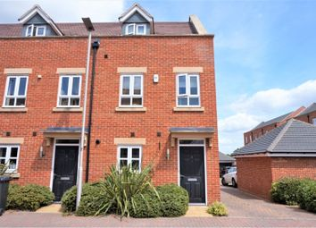 Thumbnail 3 bed town house for sale in Rondetto Avenue, Newbury