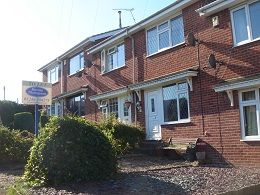 Thumbnail 2 bedroom town house to rent in Broomhill Close, Eckington