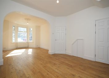 Thumbnail 5 bed property to rent in Park Avenue, Barking