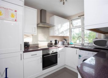 Rickmansworth Road, Pinner HA5. 2 bed flat