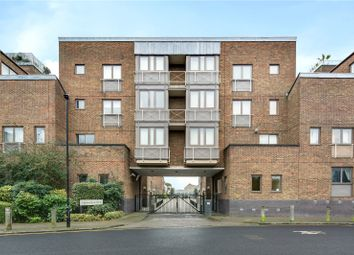 3 bed flat to rent in Cumberland Mills Square, London E14