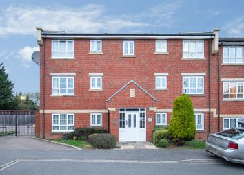 Thumbnail 2 bed flat for sale in Watling Gardens, Dunstable, Bedfordshire