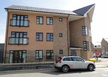 2 bed flat to rent in Chariot Way, Orchard Park, Cambridge CB4