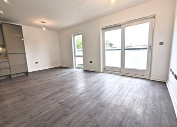 2 bed flat to rent in Paragon Grove, Berrylands, Surbiton, London, Greater London KT5