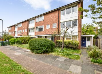 2 bed maisonette for sale in Courtlands Avenue, Lee SE12